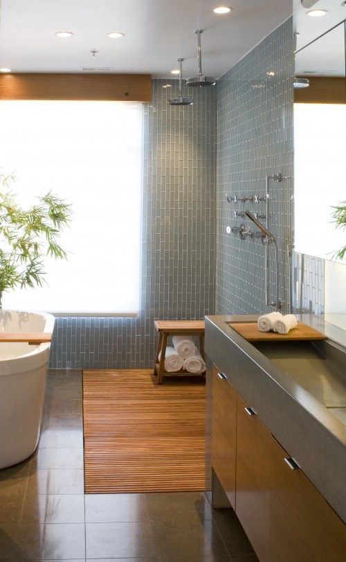 Baño Gris Con Madera:Modern Bathroom Shower Floor