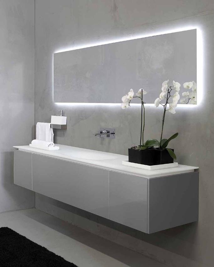 Iluminacion Baño Easy: simple quiebre en el panel de la pared, se marca el cabecero de la