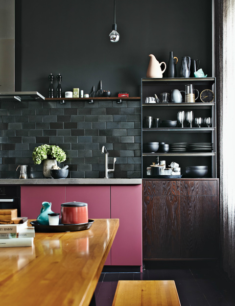 black-kitchen-design-17